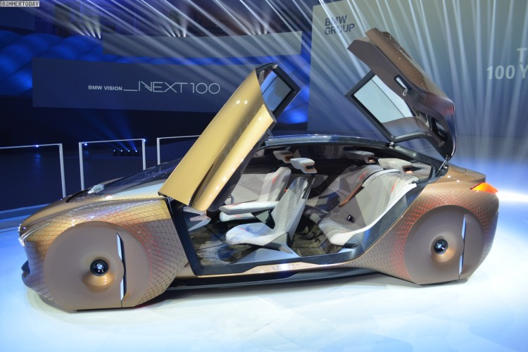 BMW Vision Next 100 Live Interieur 02 750x500