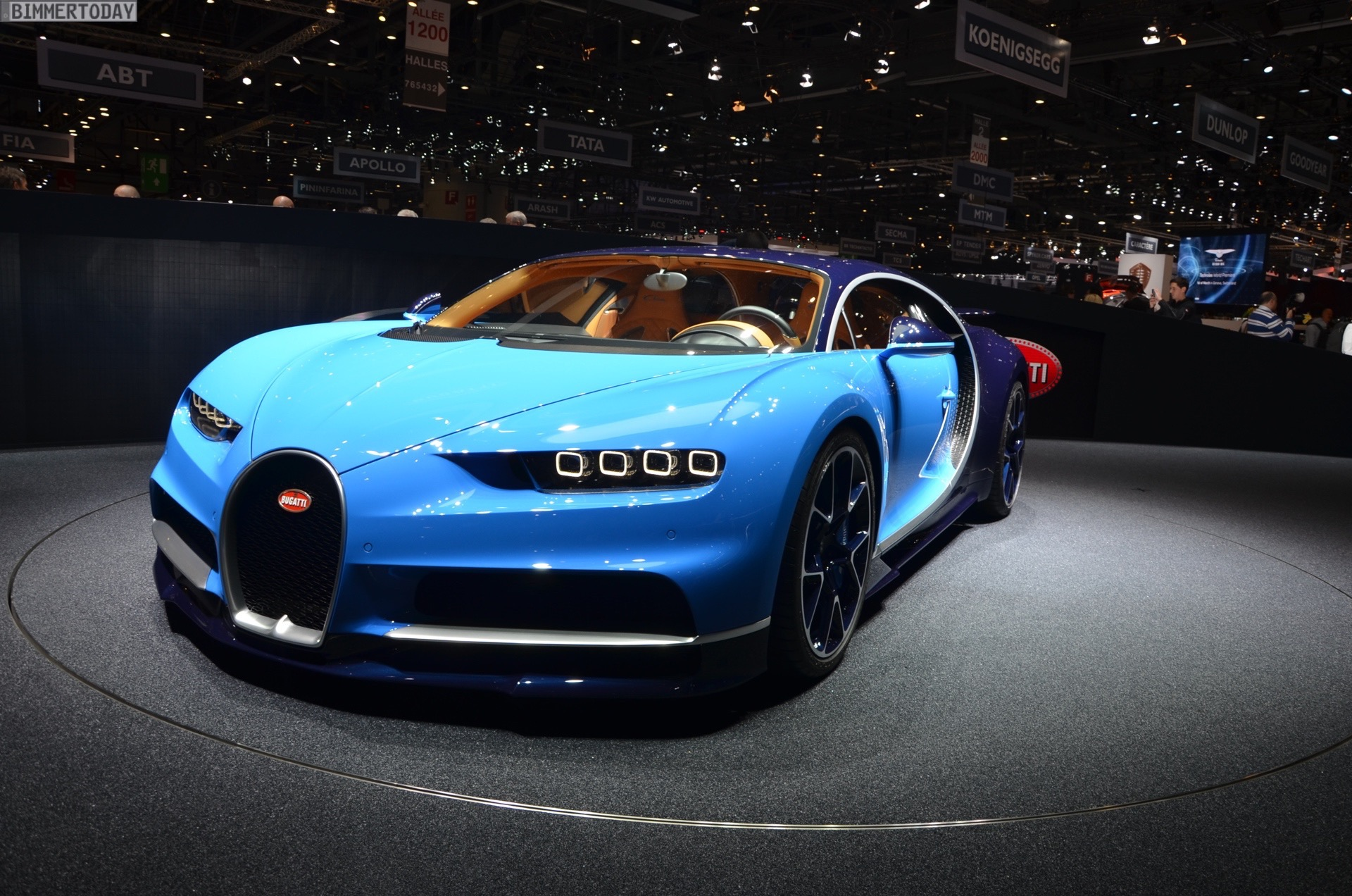 bugatti chiron with 1500 horsepower. Black Bedroom Furniture Sets. Home Design Ideas
