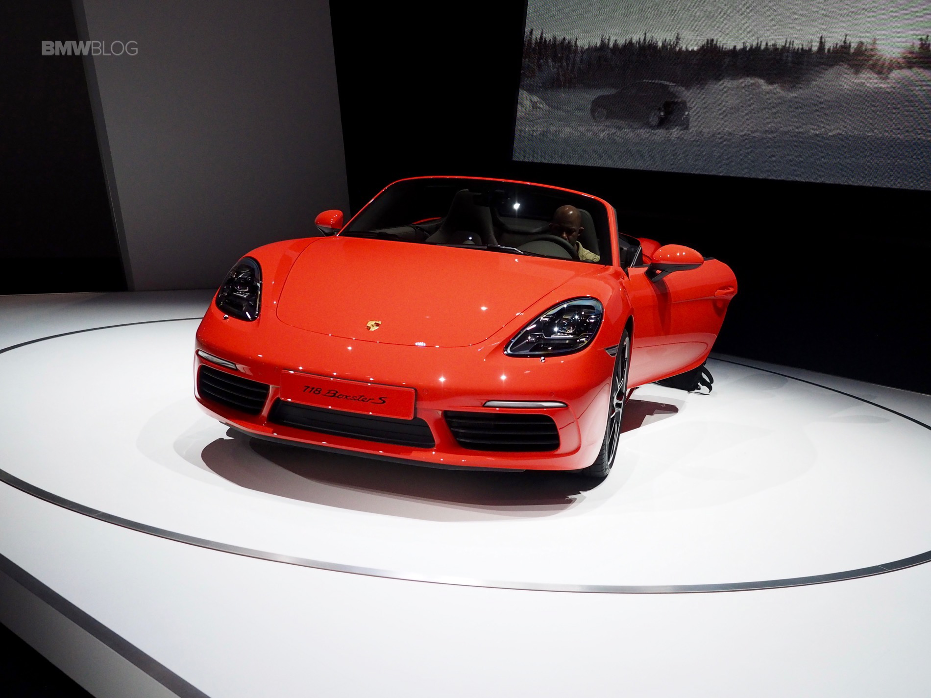 Porsche 718 Boxster Makes U S Debut In New York