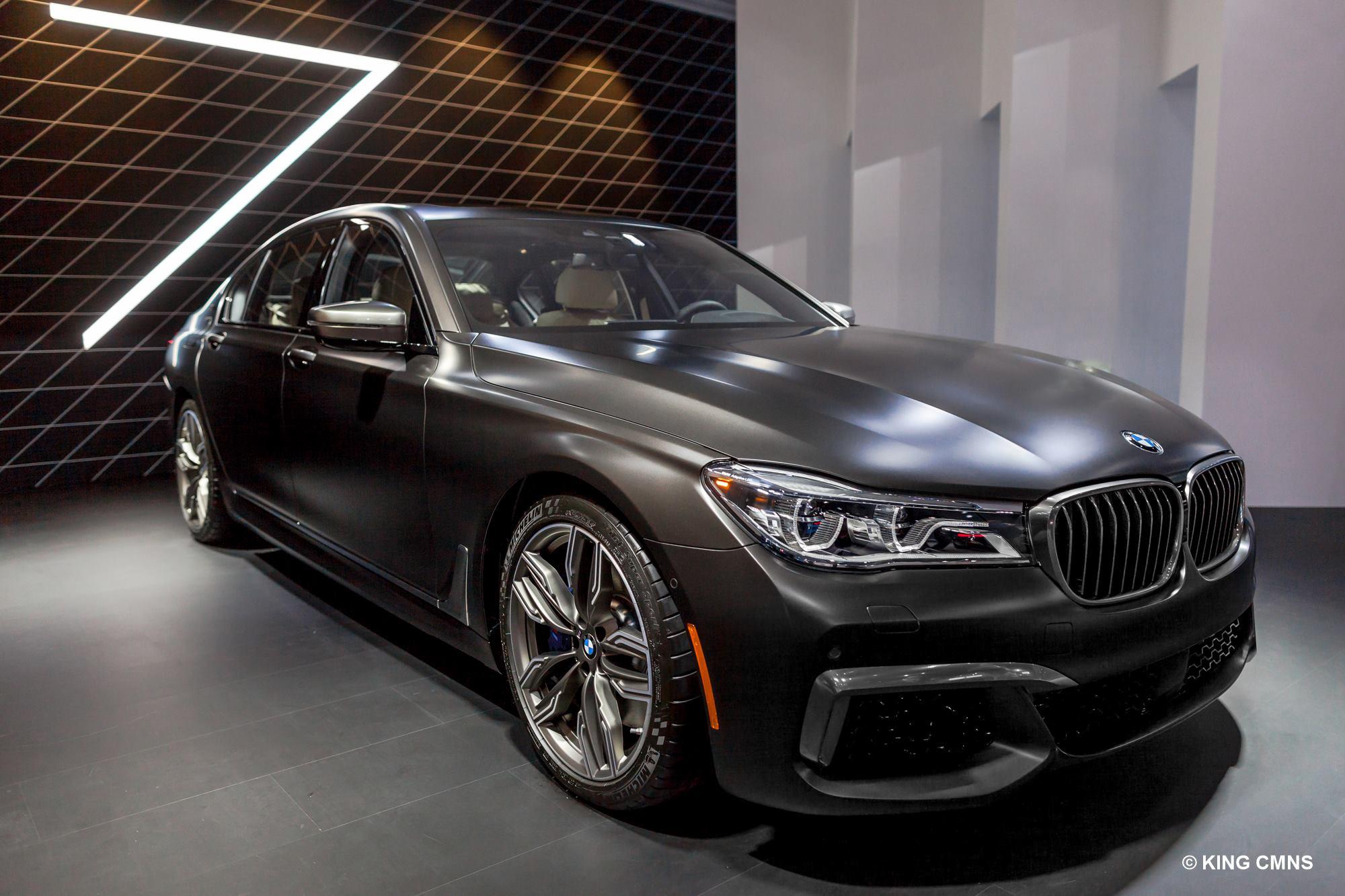 2016 BMW M760Li image 1