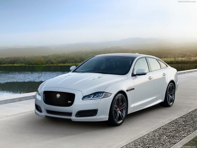 2016-Jaguar-XJ-R-Sport-Sedan-Model-Cars