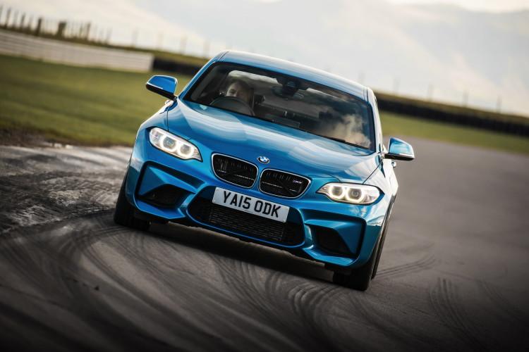 BMW M2 UK launch exterior 30 750x500