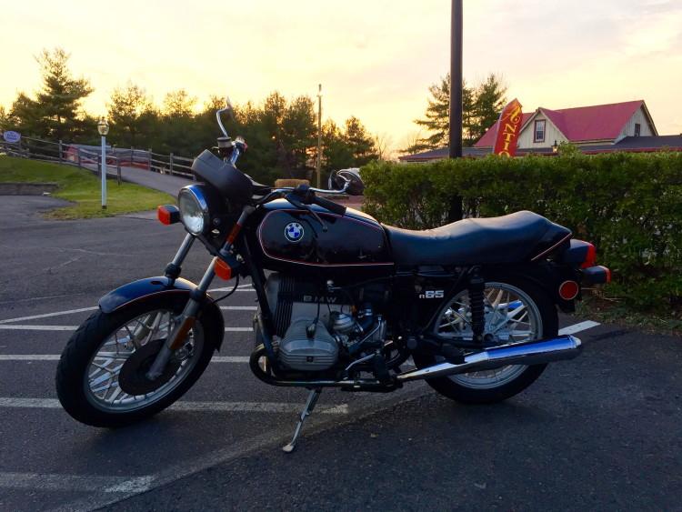 BMW-R65-ride-1