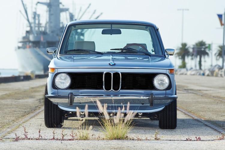 Clarion 1974 BMW 2002 image 3 750x500