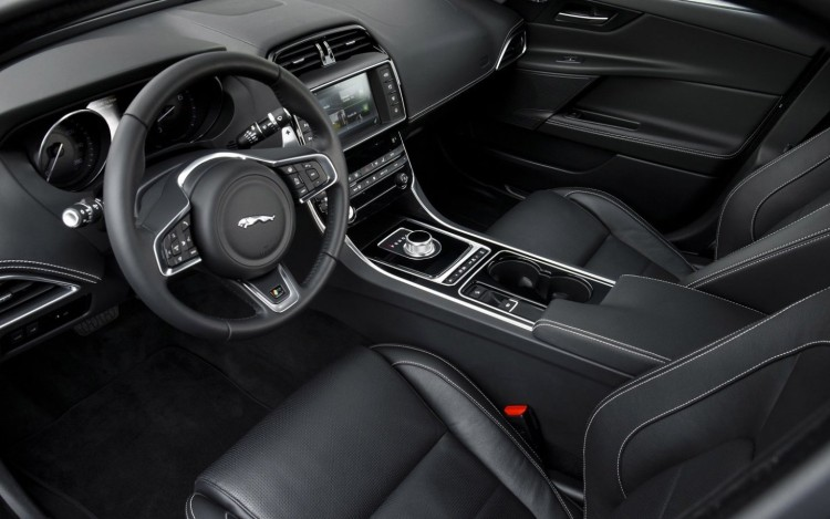 Jaguar_XE_R_Sport_cars_sedan_2015_1440x900(1)