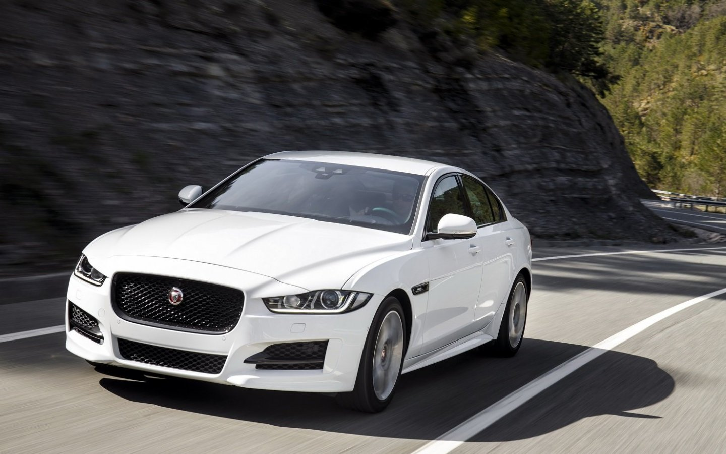 Jaguar XE R Sport cars sedan 2015 1440x9008