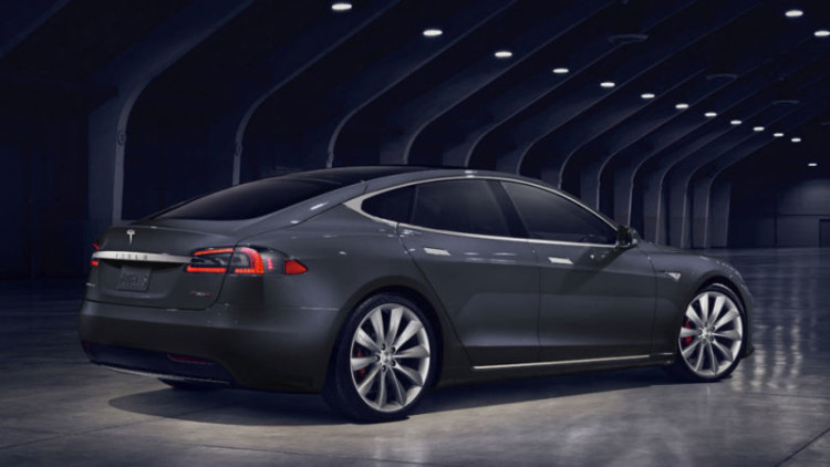 Tesla Model S refresh rear 750x422