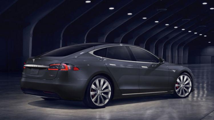 Tesla Model S refresh rear 750x422