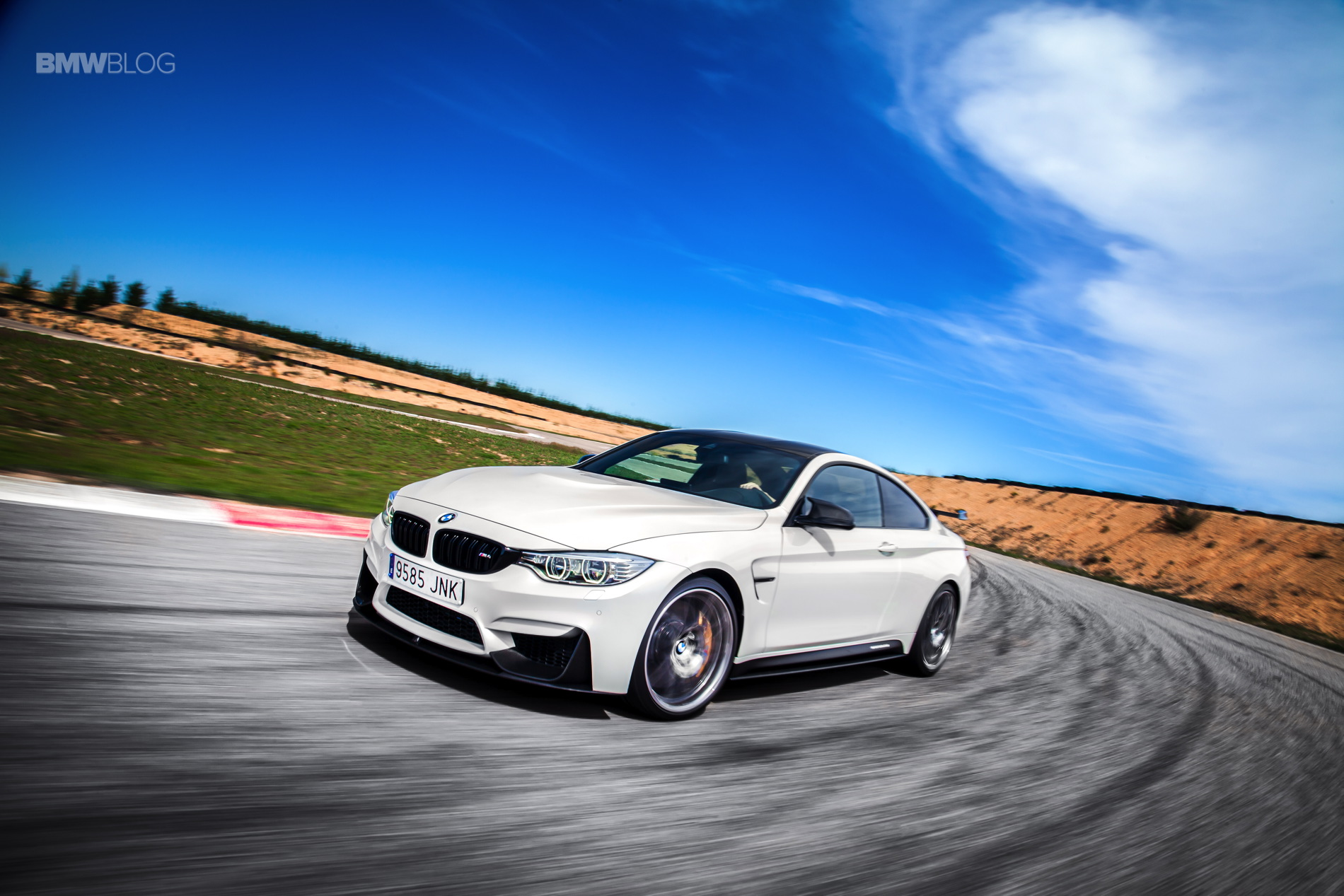 WORLD PREMIERE: BMW M4 Competition Sport Edition