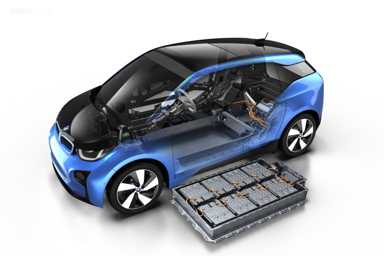 BMW i3 Protonic Blue 11 750x500