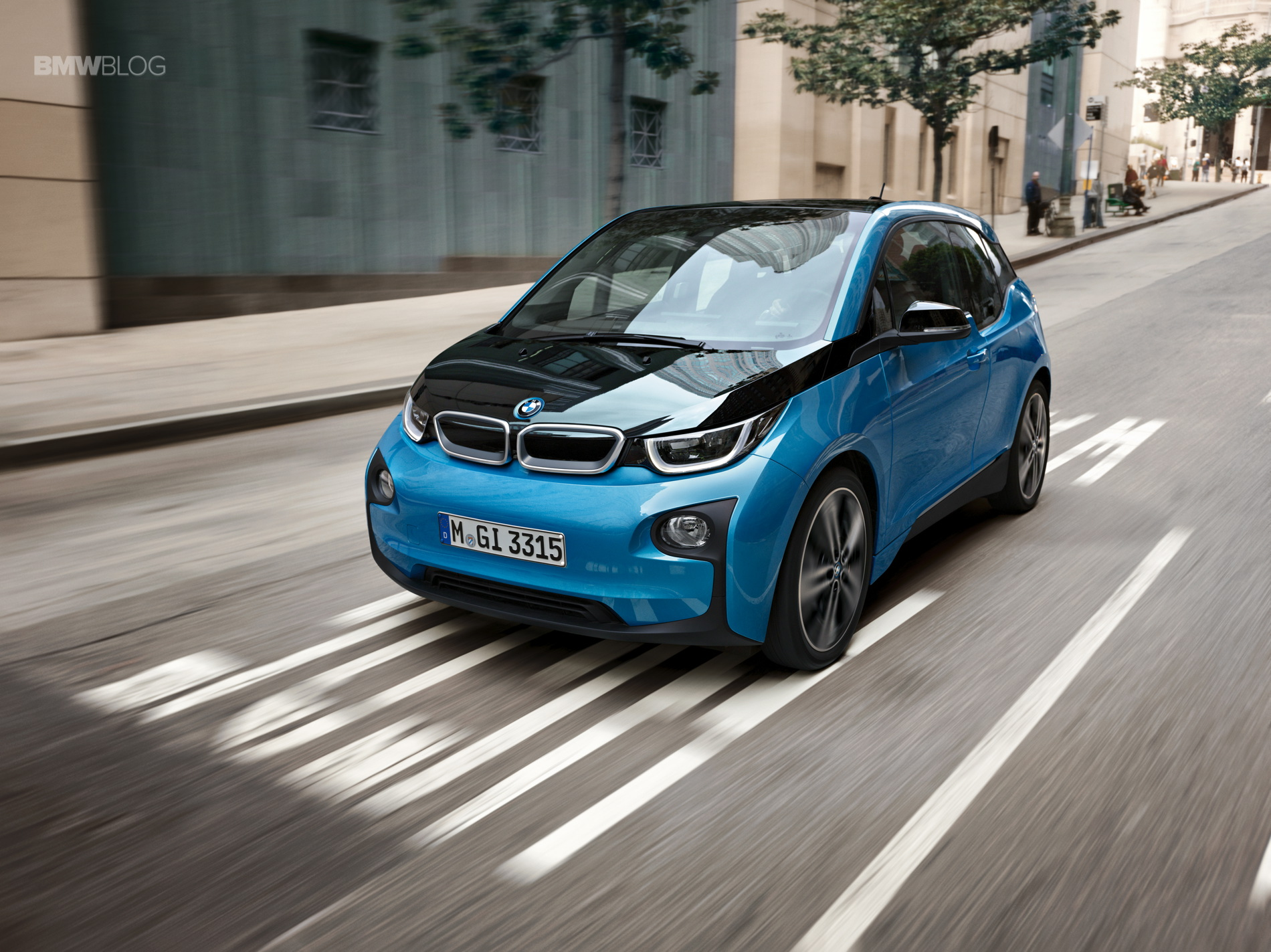 BMW i3 Protonic Blue 16