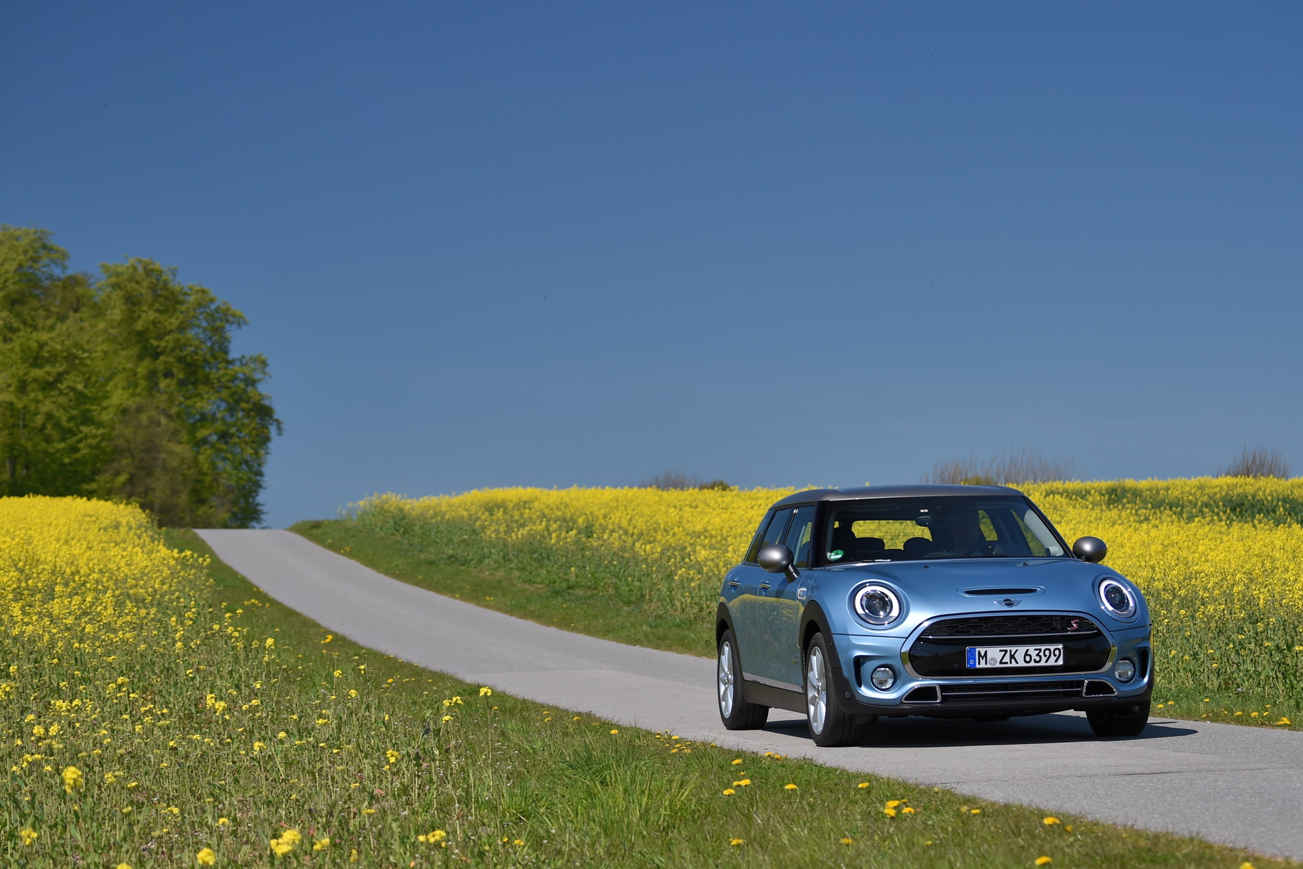 Video Comparison 2016 Mini Cooper S Clubman Vs Vw Golf Gti