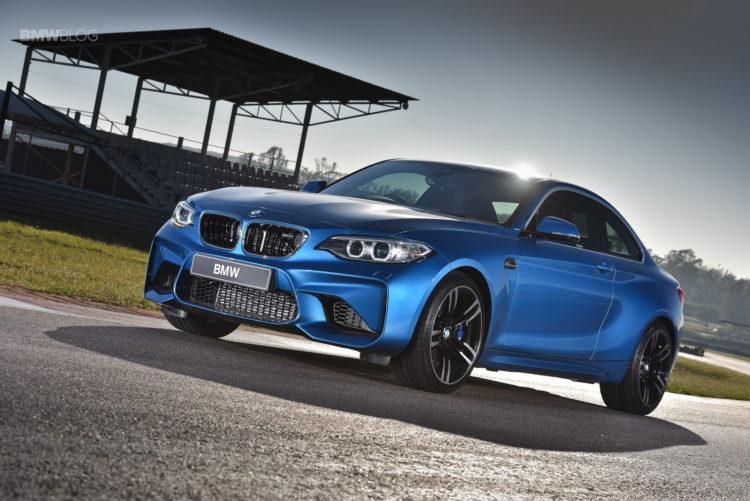 Photos BMW M2 Coupe Long Beach Blue 12 750x501