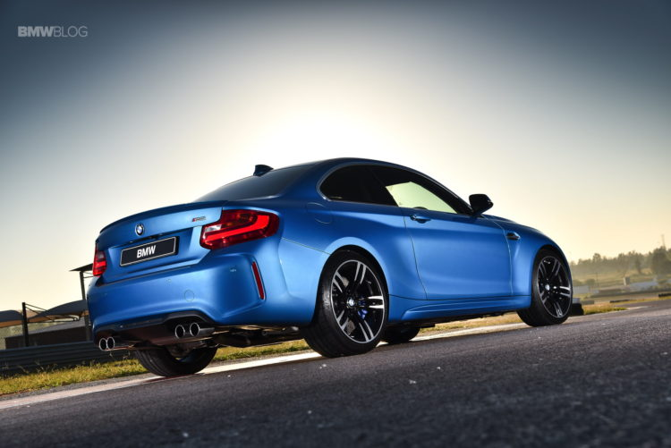Photos BMW M2 Coupe Long Beach Blue 14 750x501