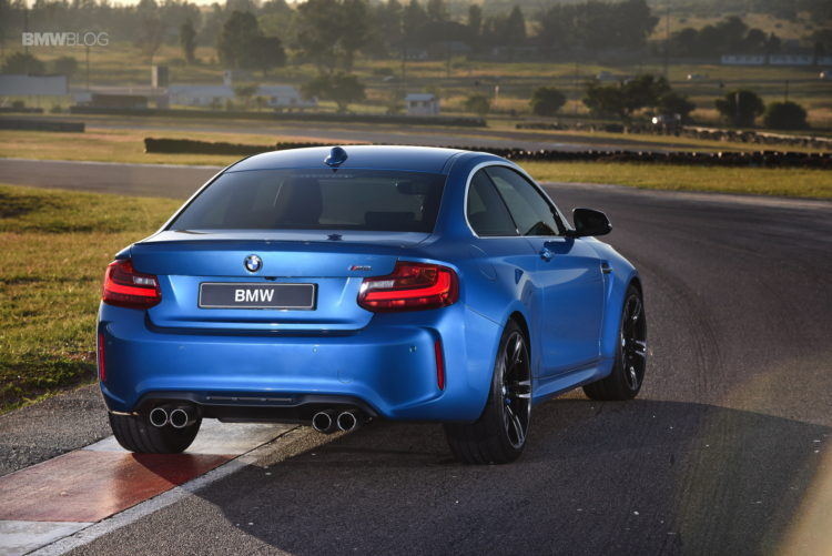 Photos BMW M2 Coupe Long Beach Blue 16 750x501