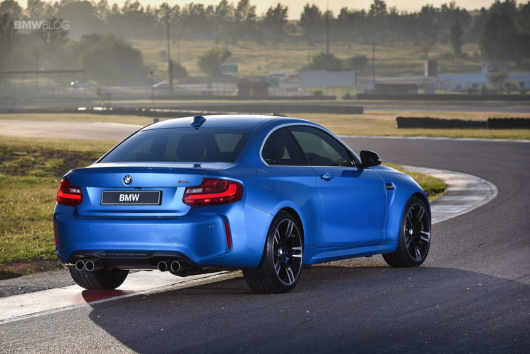 Photos BMW M2 Coupe Long Beach Blue 17 750x501