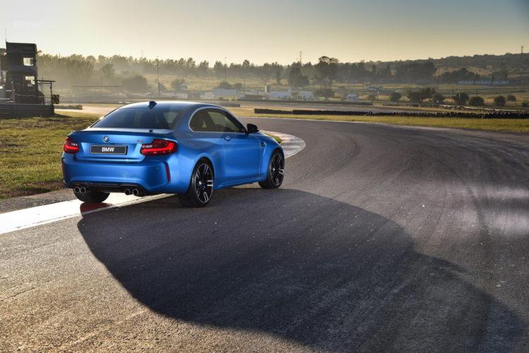 Photos BMW M2 Coupe Long Beach Blue 20 750x501