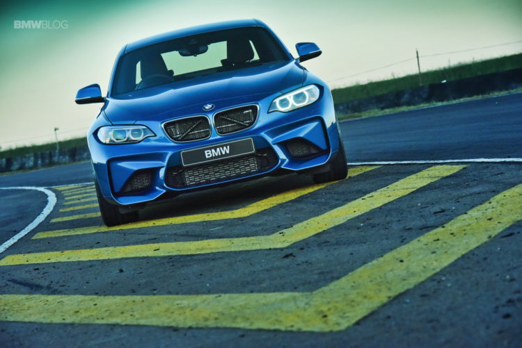 Photos BMW M2 Coupe Long Beach Blue 22 750x501
