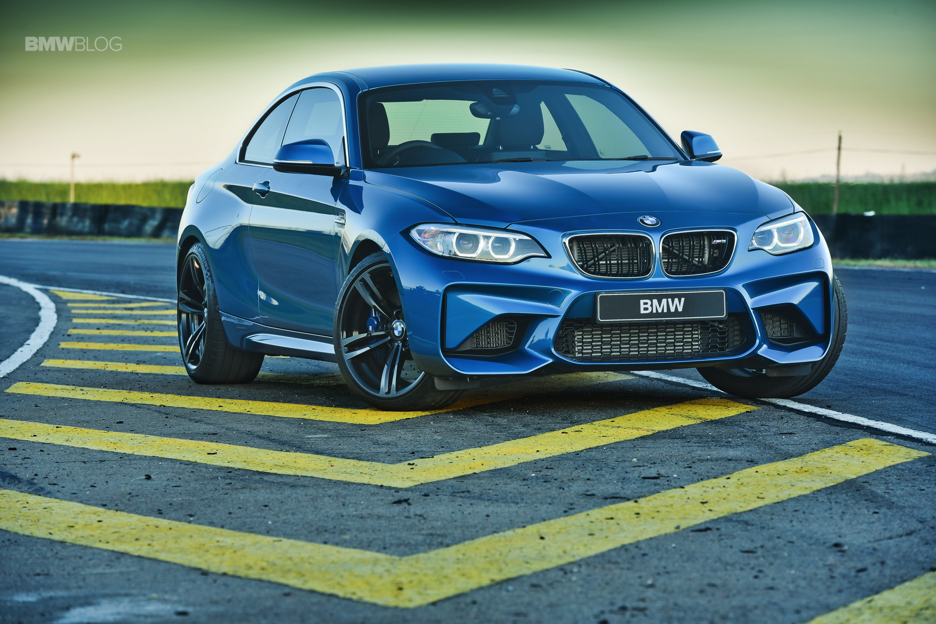 Photos BMW M2 Coupe Long Beach Blue 23