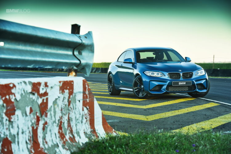Photos BMW M2 Coupe Long Beach Blue 24 750x501