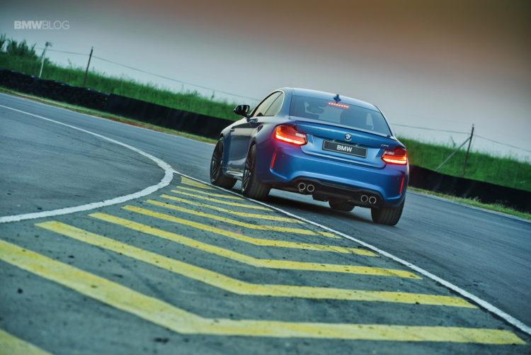 Photos BMW M2 Coupe Long Beach Blue 26 750x501