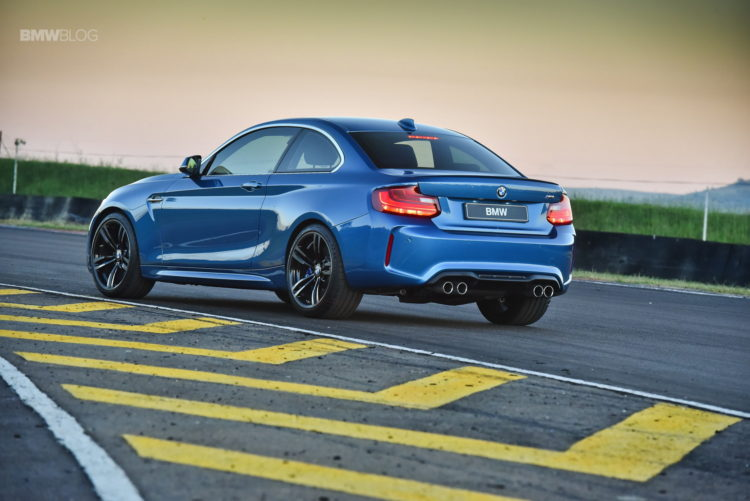 Photos BMW M2 Coupe Long Beach Blue 29 750x501