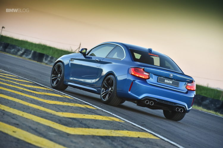 Photos BMW M2 Coupe Long Beach Blue 30 750x501