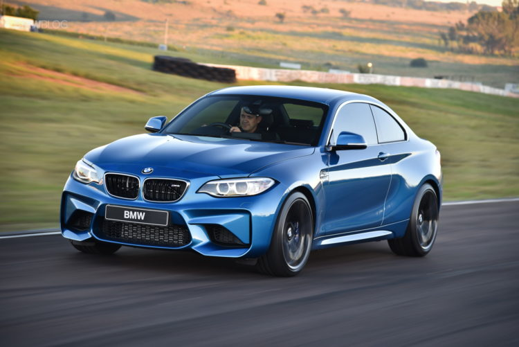 Photos BMW M2 Coupe Long Beach Blue 32 750x501