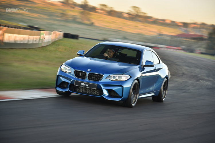 Photos BMW M2 Coupe Long Beach Blue 33 750x501