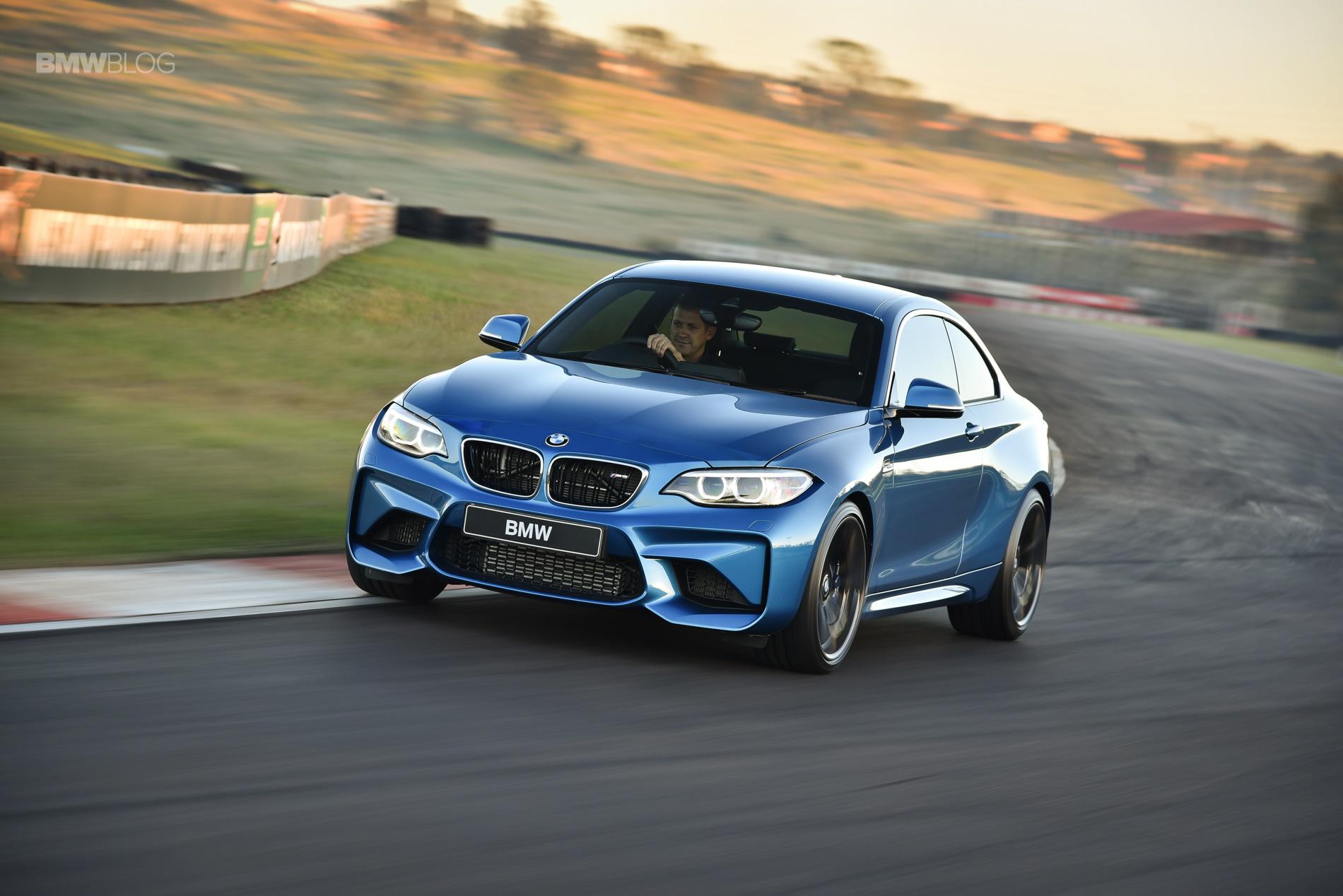 Photos BMW M2 Coupe Long Beach Blue 33