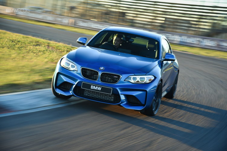 Photos BMW M2 Coupe Long Beach Blue 34 750x500
