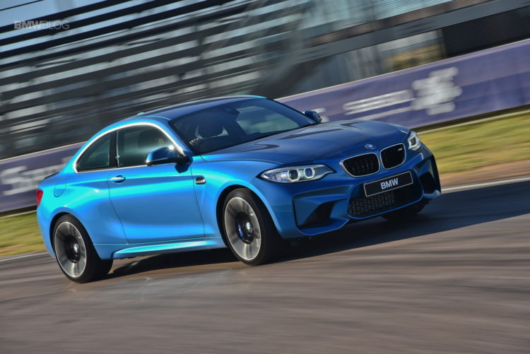 Photos BMW M2 Coupe Long Beach Blue 36 750x501