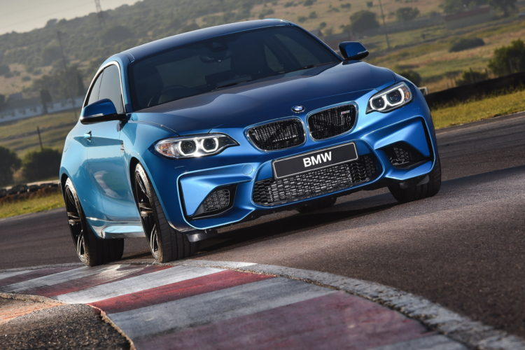 Photos BMW M2 Coupe Long Beach Blue 5 750x500