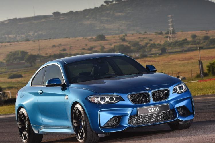 Photos BMW M2 Coupe Long Beach Blue 6 750x500