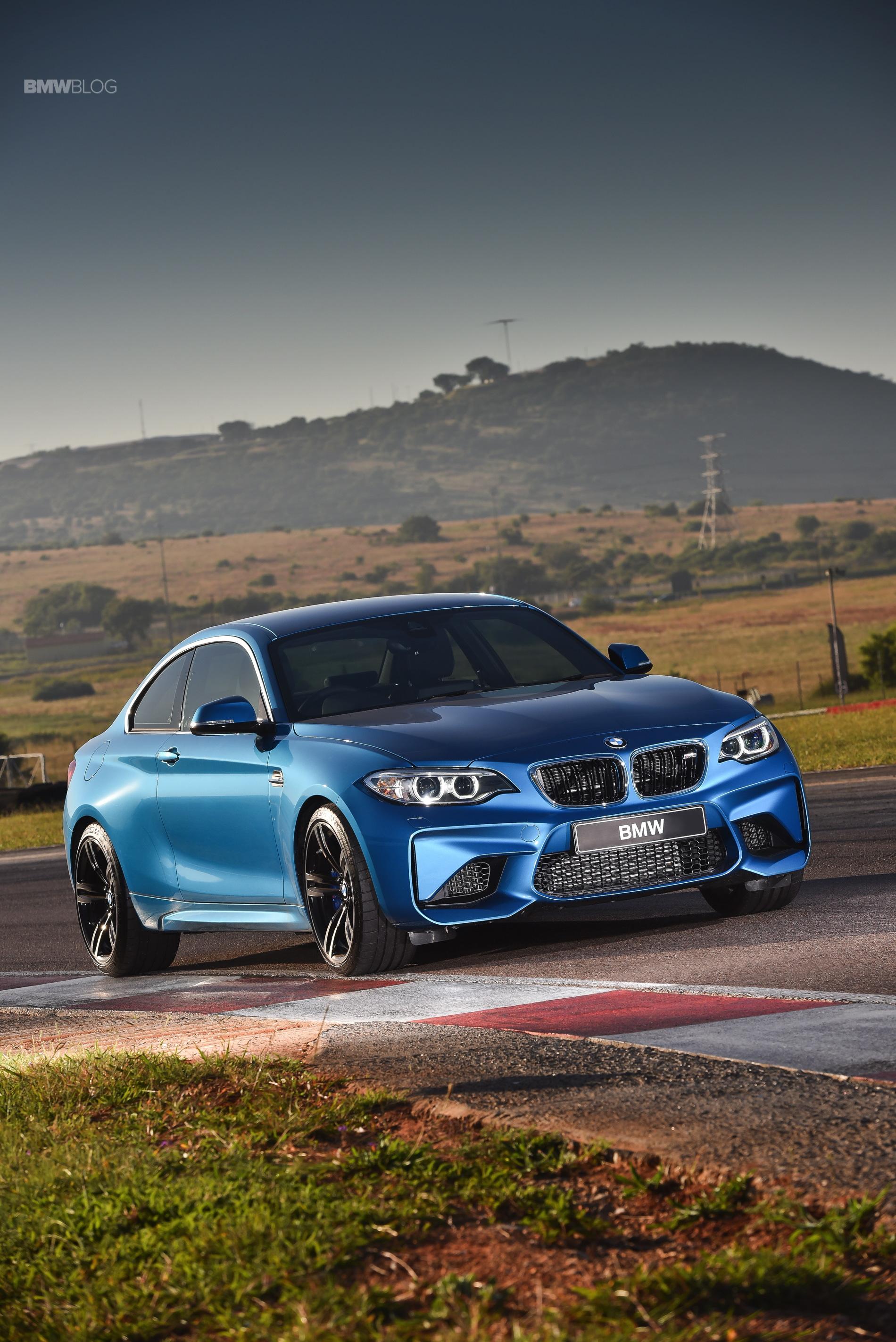 Photos BMW M2 Coupe Long Beach Blue 6