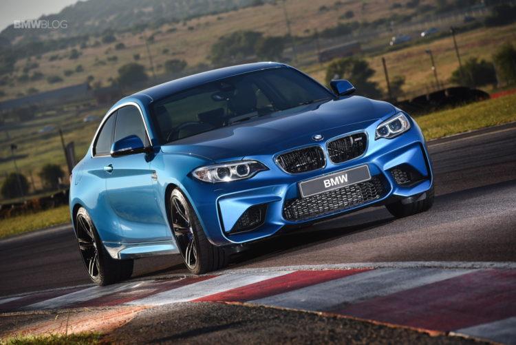 Photos BMW M2 Coupe Long Beach Blue 8 750x501