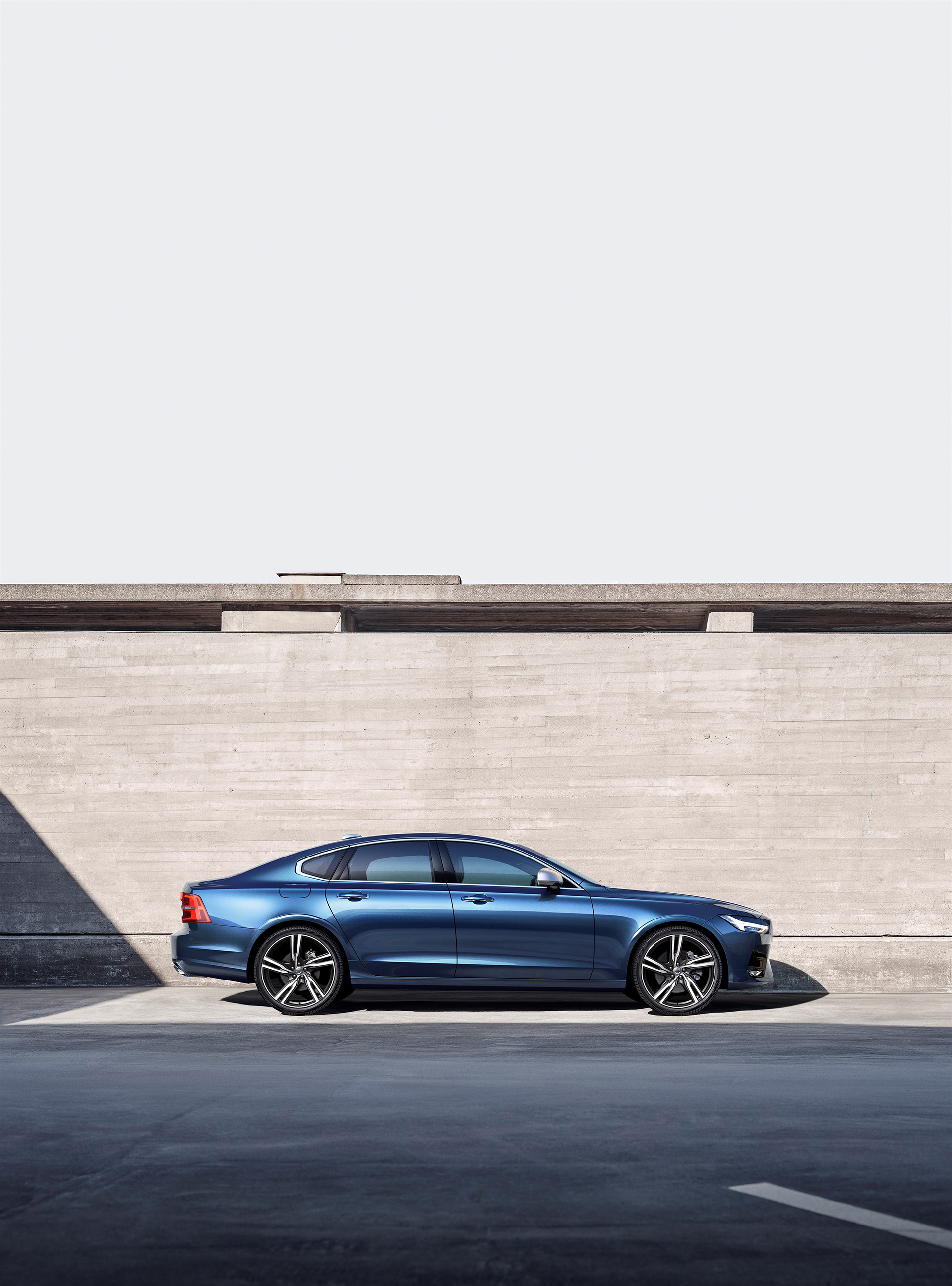 192804 Volvo S90 R Design Location
