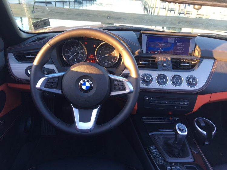 2016 BMW Z4 sDrive28i18 750x563