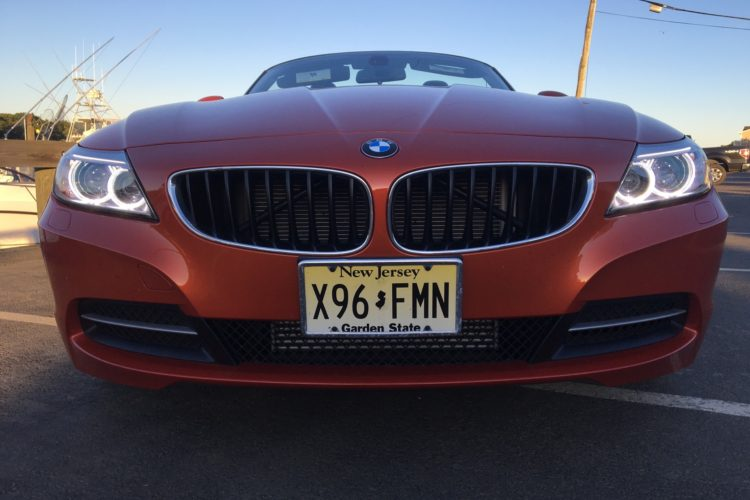 2016 BMW Z4 sDrive28i9 750x500