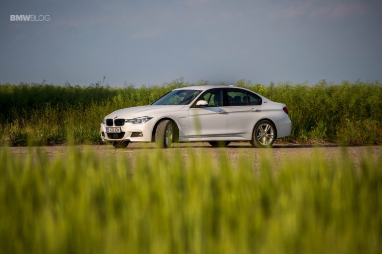 BMW 330e test drive review 1 750x500