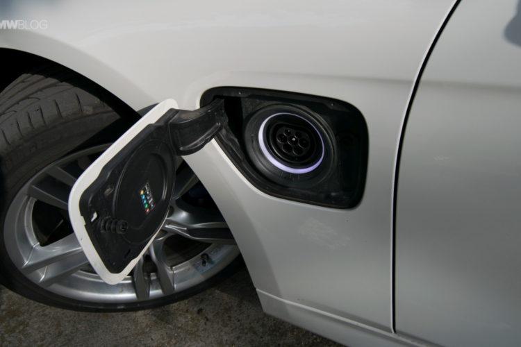 BMW 330e test drive review 24 750x500