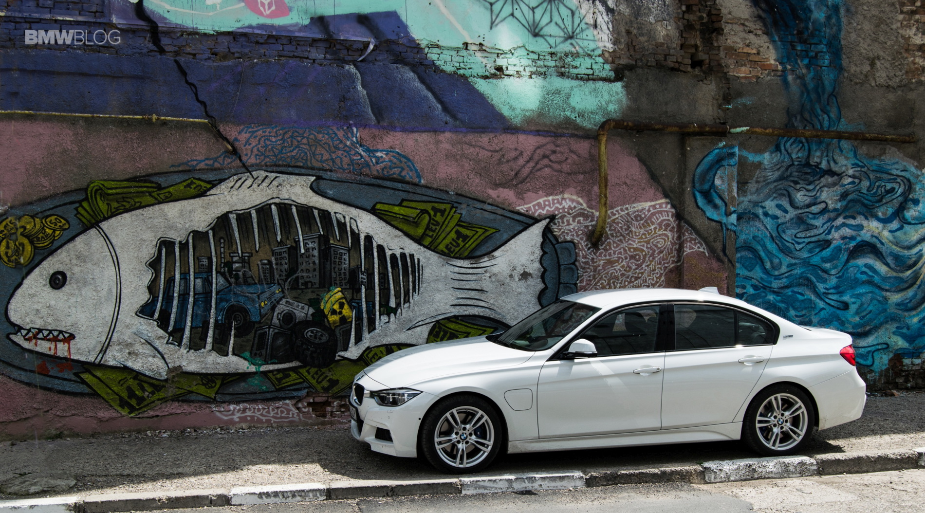 BMW 330e test drive review 64