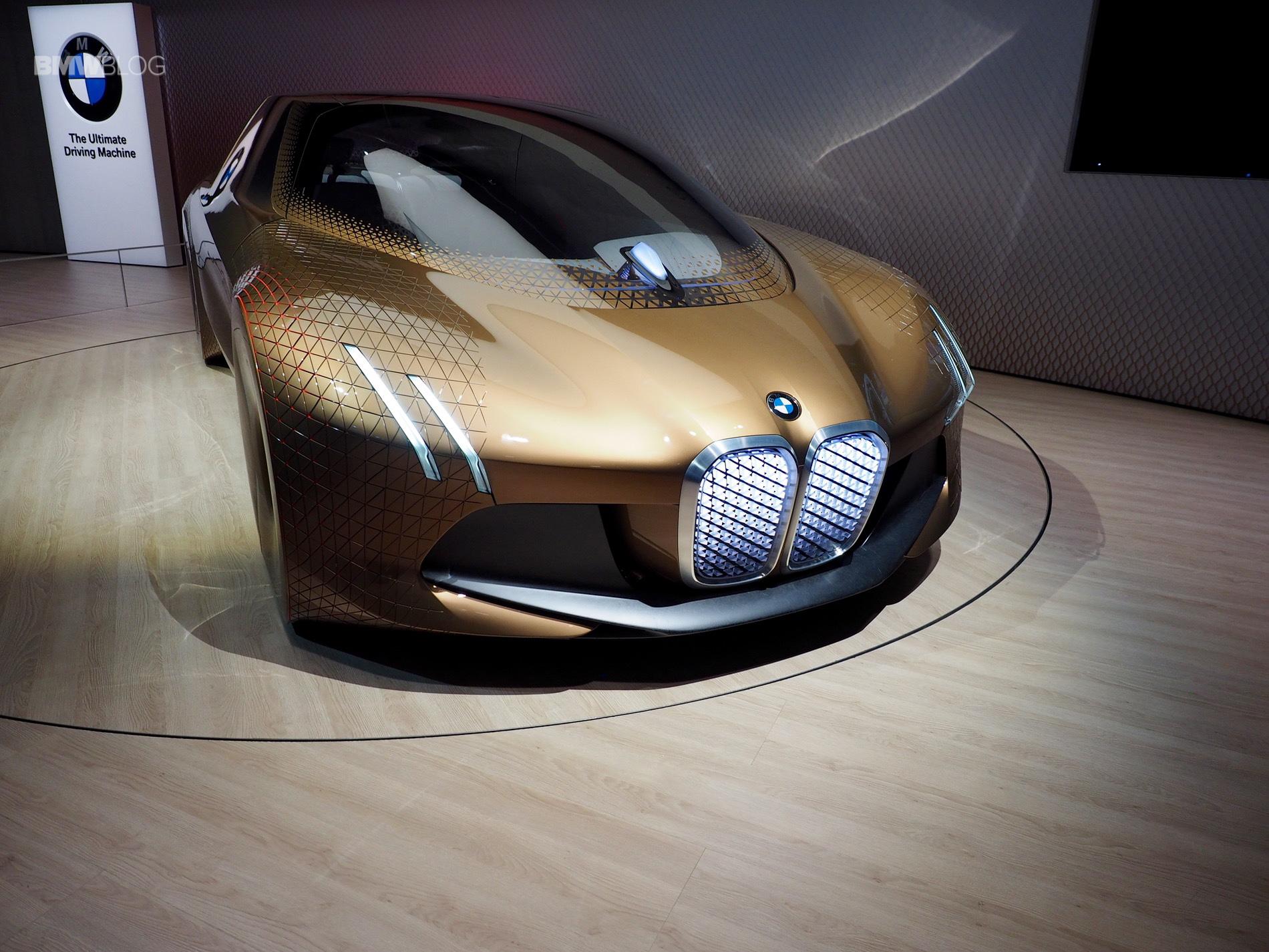 BMW Vision Next 100 10