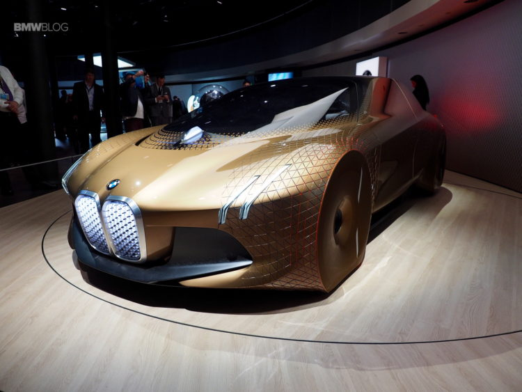 BMW Vision Next 100 15 750x563