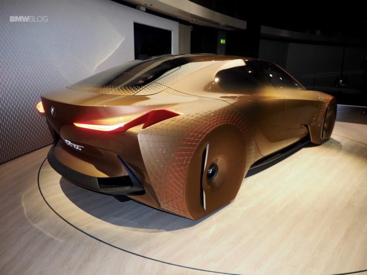 BMW Vision Next 100 32 750x563
