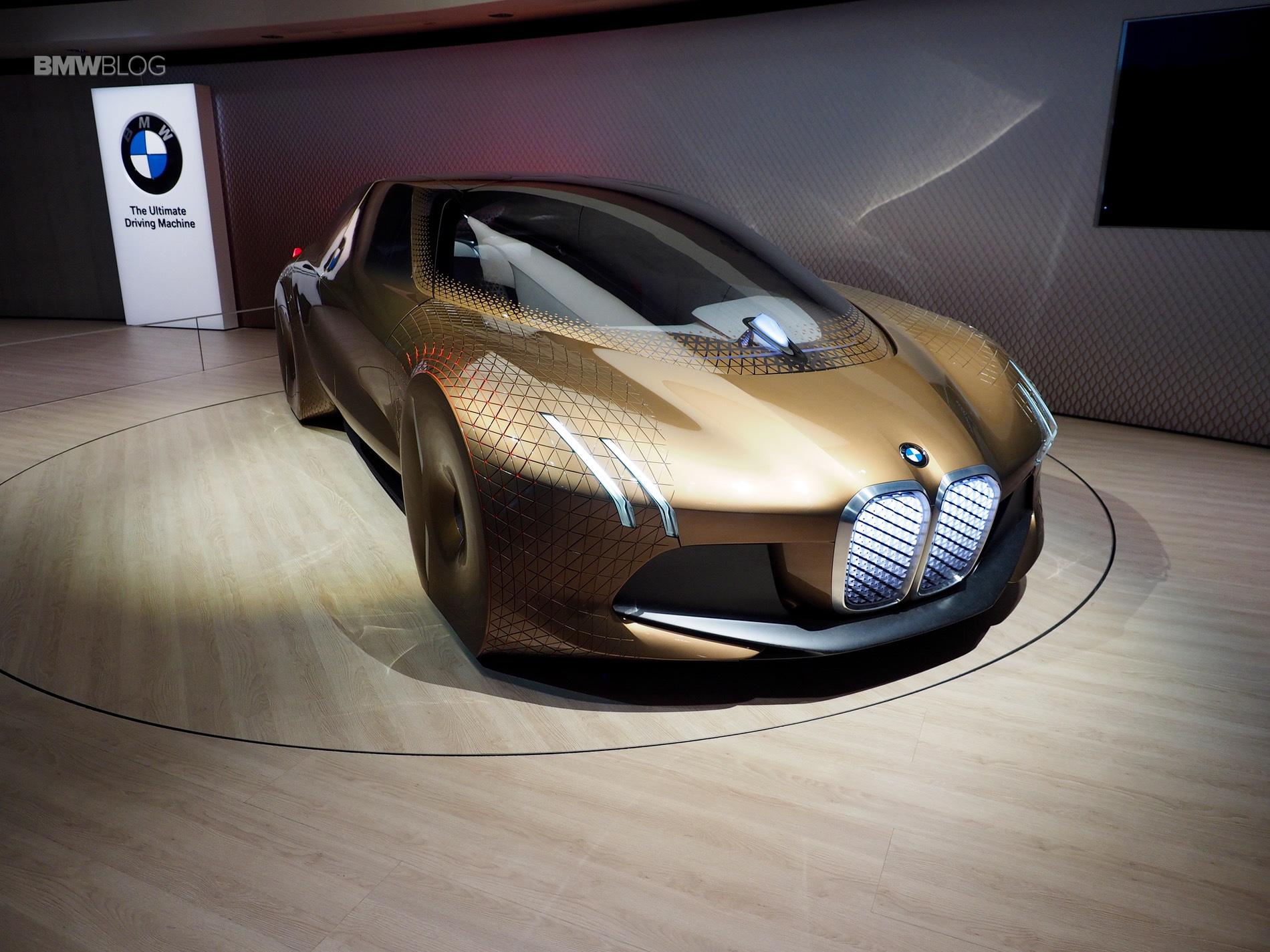 BMW Vision Next 100 8