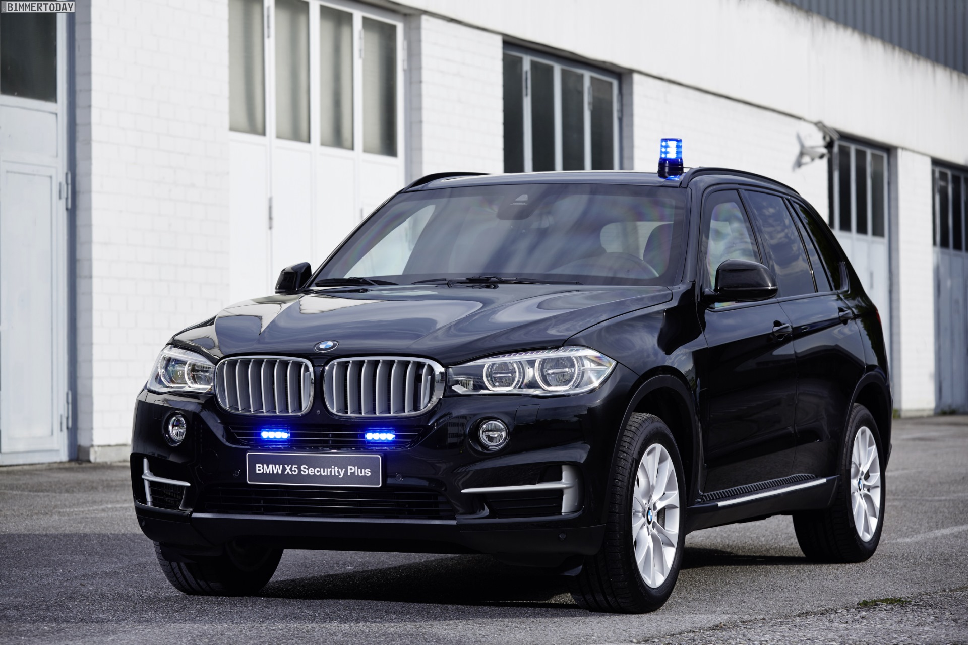 Bmw X5 Security Plus Shown At Gpec 2016 In Leipzig