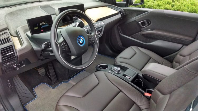 The Tera World interior remains the same. The only exception is there is now a Dark Oak Wood trim option. My i3 pictured above has the Eucalyptus wood trim. Customers now have their choice of which wood they prefer.