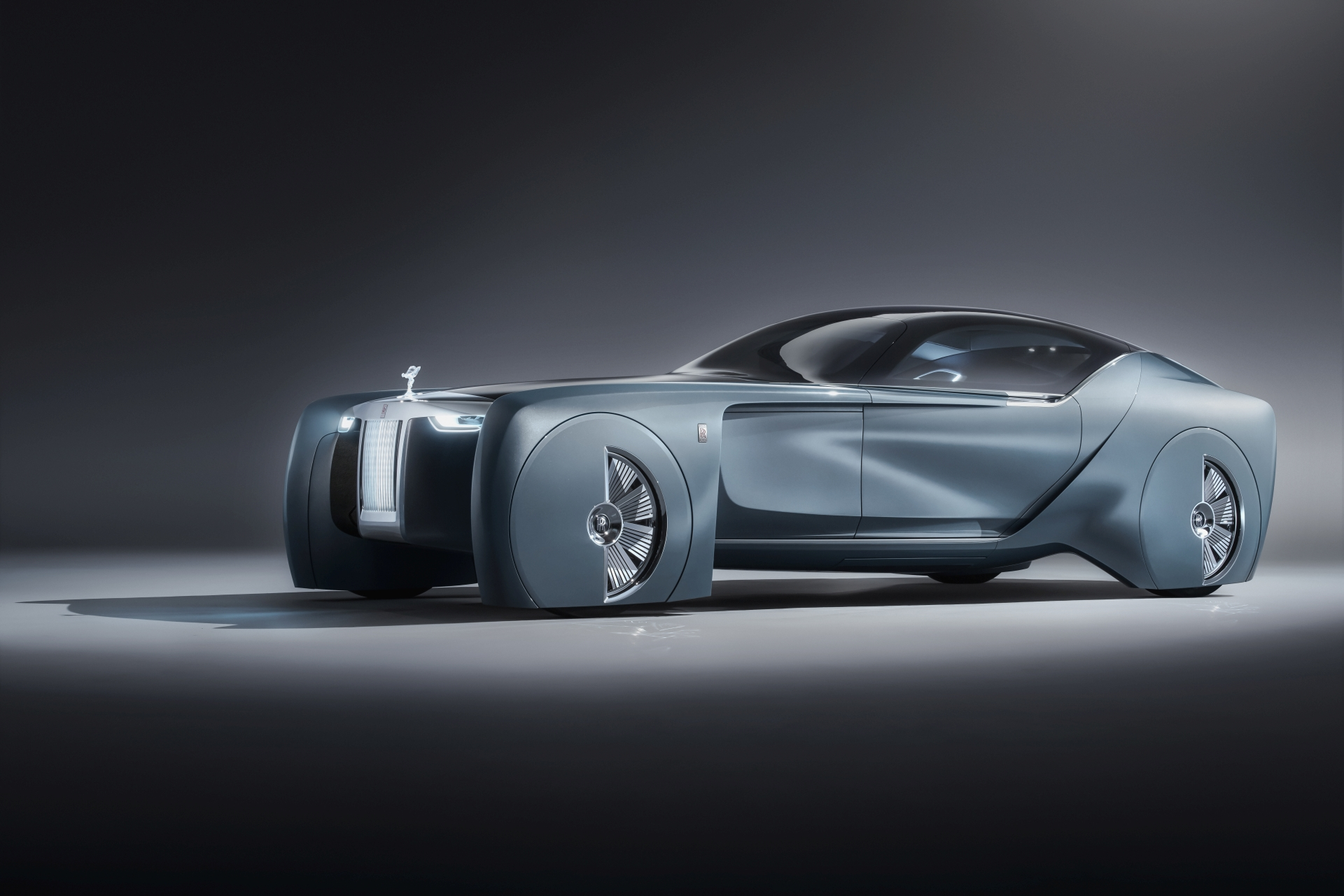 World Premiere Rolls Royce Vision Next 100