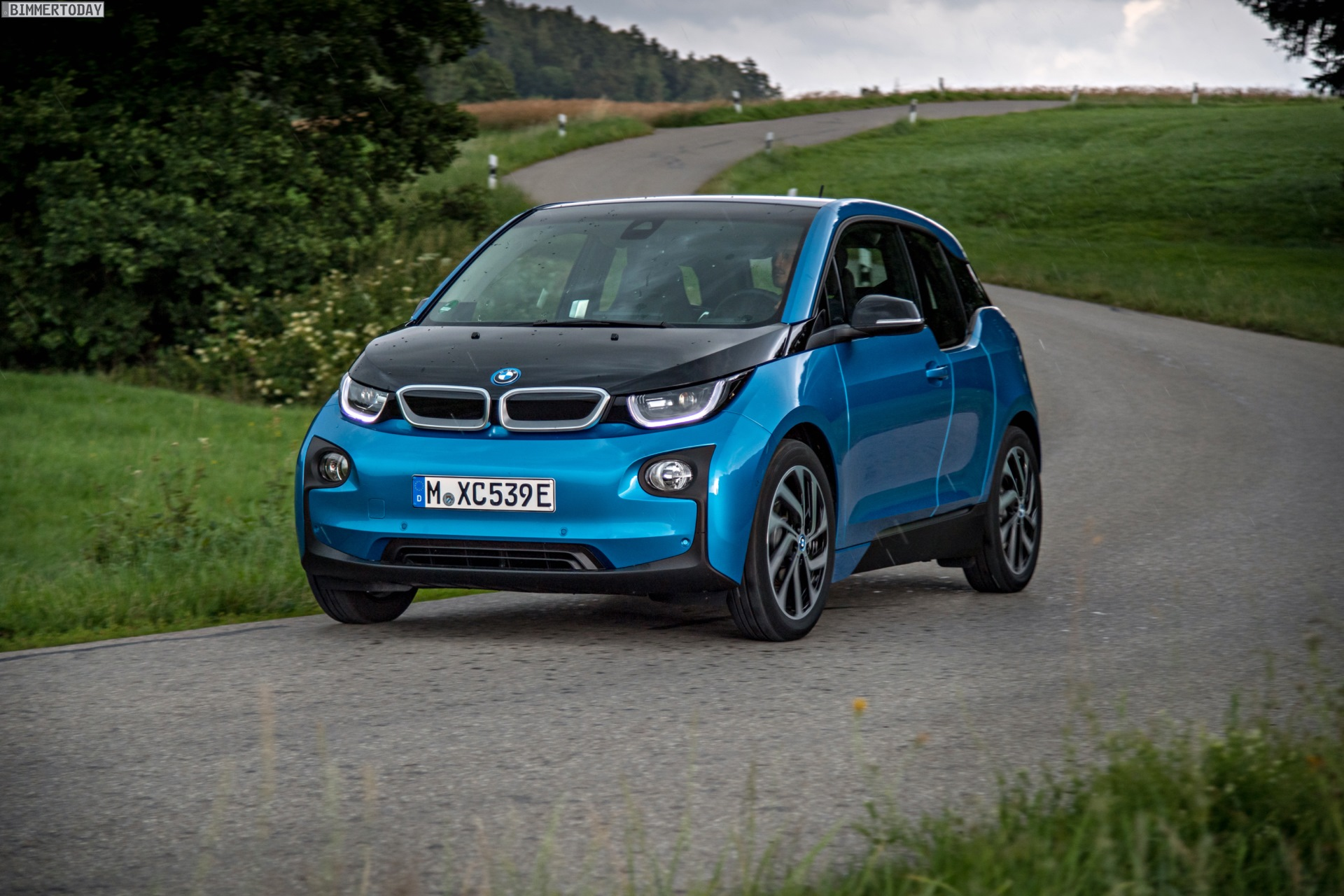 2016 BMW i3 94Ah Protonic Blue 33 kWh Elektroauto 15